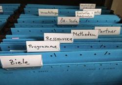 Register mit verschiedenen Daten