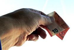 Freunde werben und Geld sichern